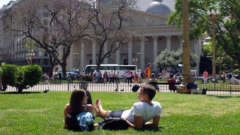 Casal curtindo o verão argentina