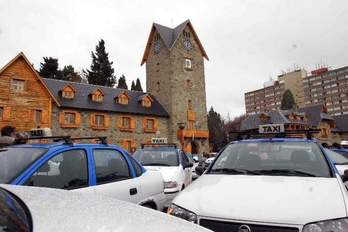 Como ir de táxi/ van do aeroporto de Bariloche até o centro turístico