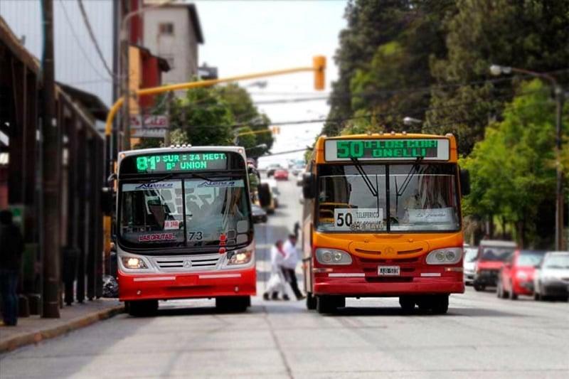 Como ir de ônibus do aeroporto de Bariloche até o centro turístico