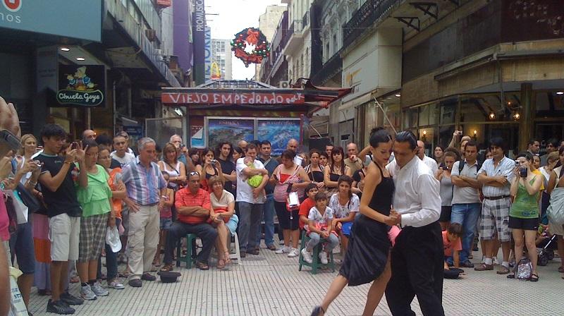 Performance na Calle Florida em Buenos Aires