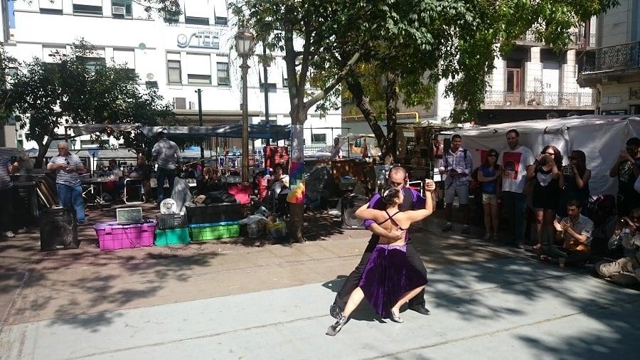 Onde assistir tango na rua em Buenos Aires: Feira de San Telmo