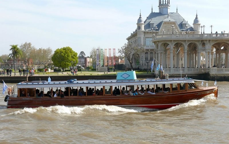 Passeio de barco pelo Rio Tigre