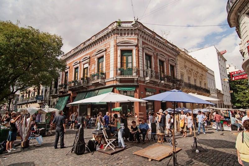 Passeios gratuitos em Buenos Aires: Feira de San Telmo