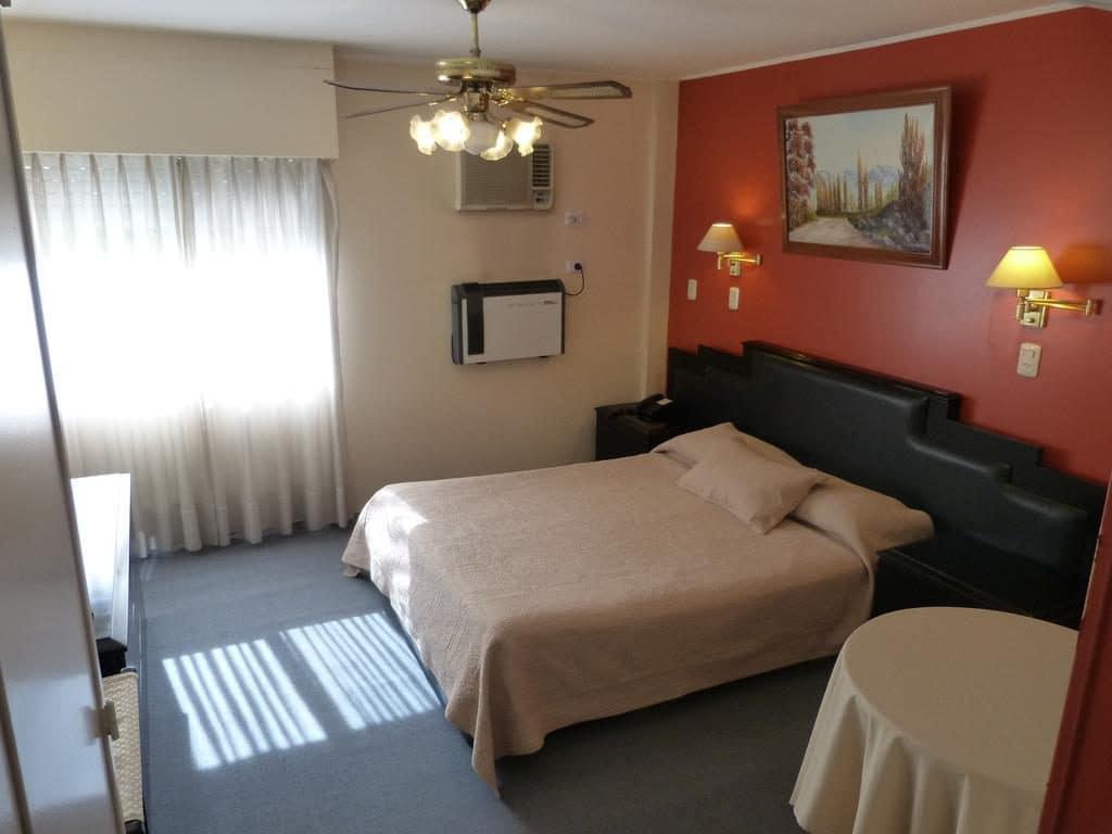 Quarto do Hotel Nutibara em Mendoza
