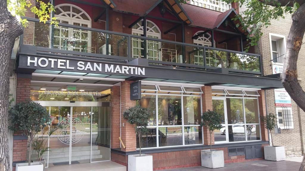 Entrada do hotel San Martín em Mendoza