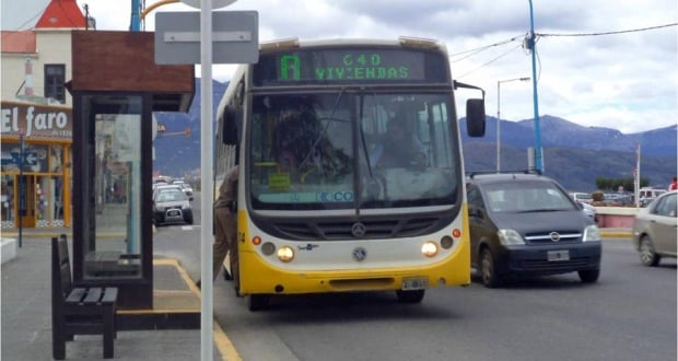 Pegando ônibus em Ushuaia