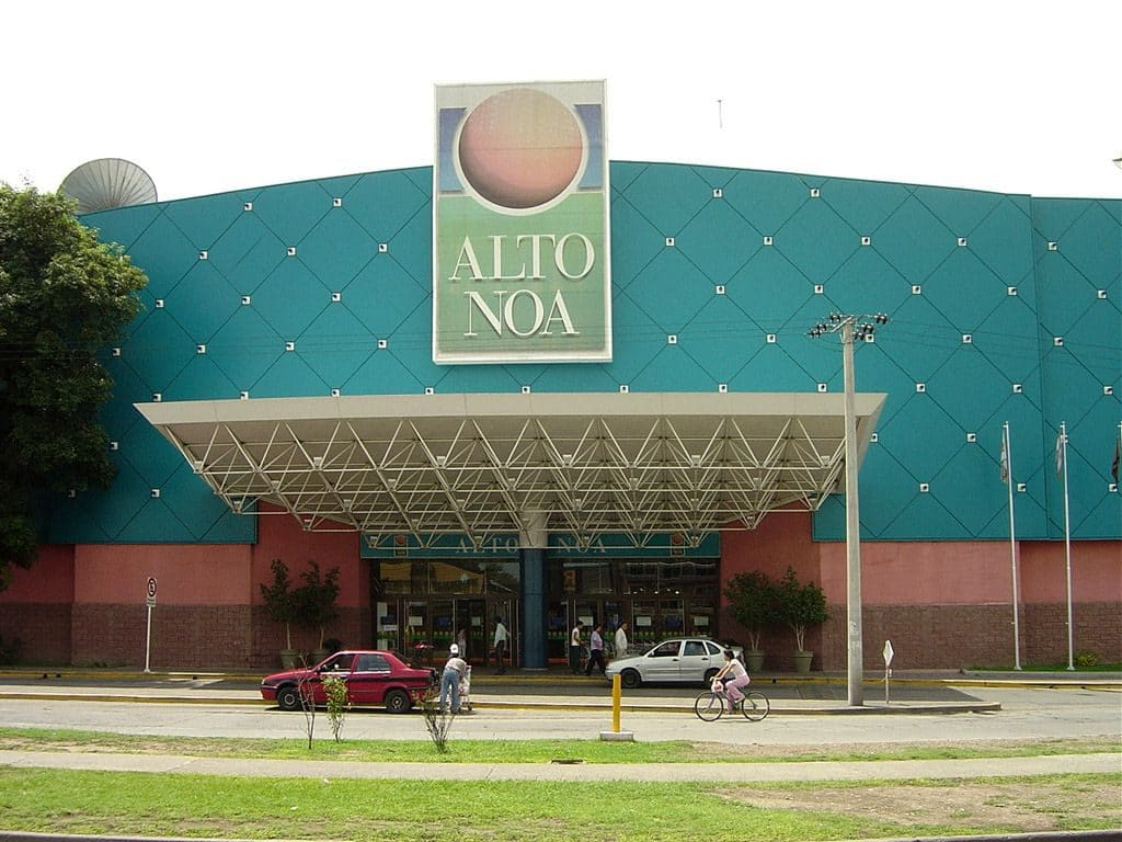 Shopping Alto Noa em Salta, Argentina