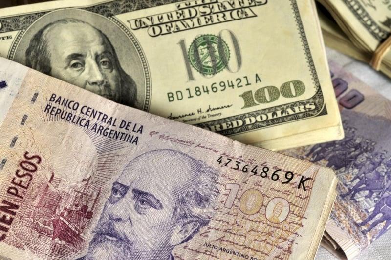 Economizando na compra dos pesos argentinos