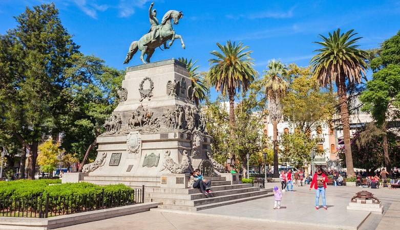 Como levar pesos argentinos para Mendoza