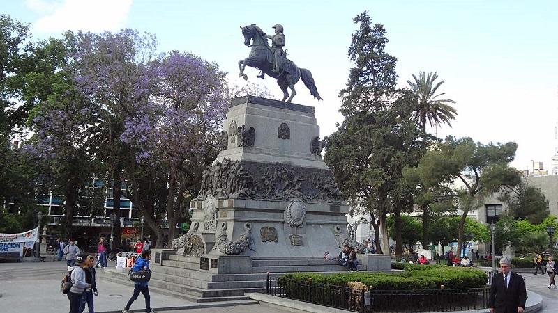 Estátua do general San Martín em Córdoba