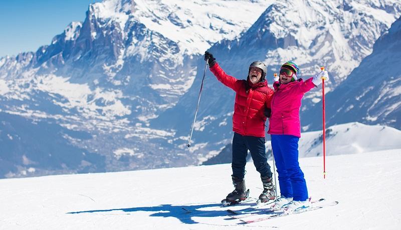Idosos esquiando em Bariloche