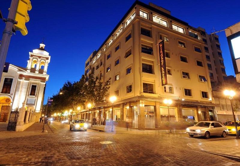 Rua de Córdoba no período da noite