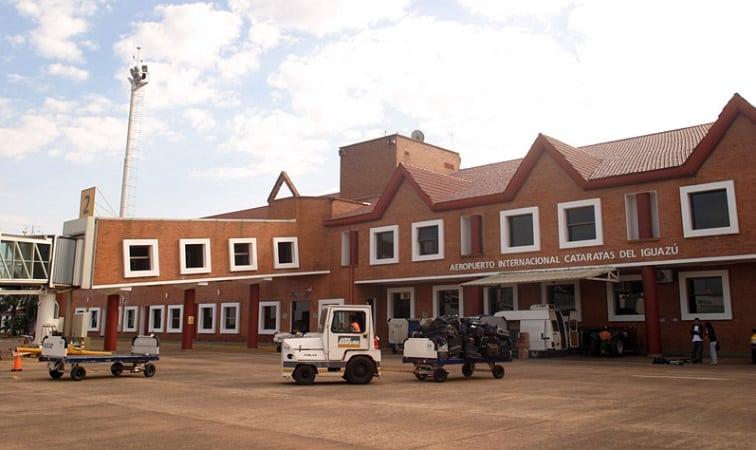 Como ir do aeroporto de Puerto Iguazú até o centro turístico