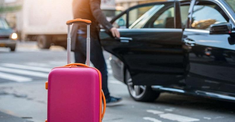 Usando o serviço de transfer em viagem ao exterior